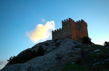 Онлайн веб-камеры Судака. Вид наГенуэзскую крепость
